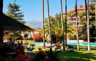Outdoor swimming pool Coral Teide Mar Hotel
